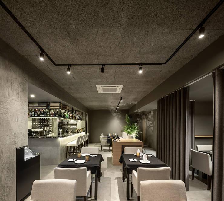 Gastronomy by PAULO MARTINS ARQ&DESIGN, Minimalist