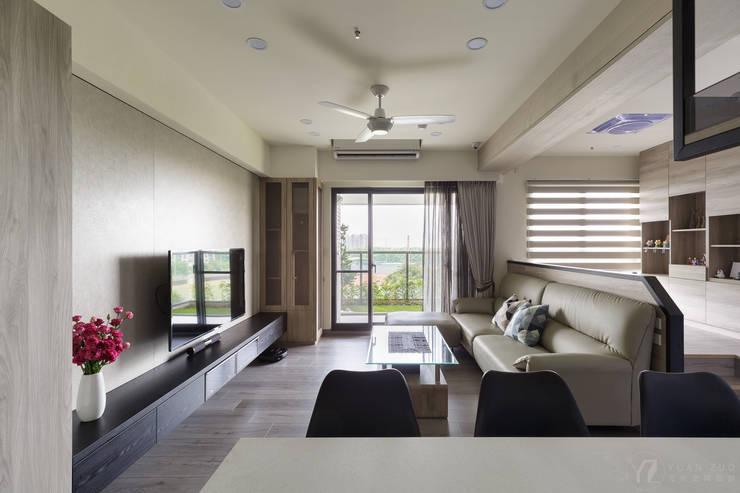 ห้องนั่งเล่น โดย 元作空間設計, โมเดิร์น