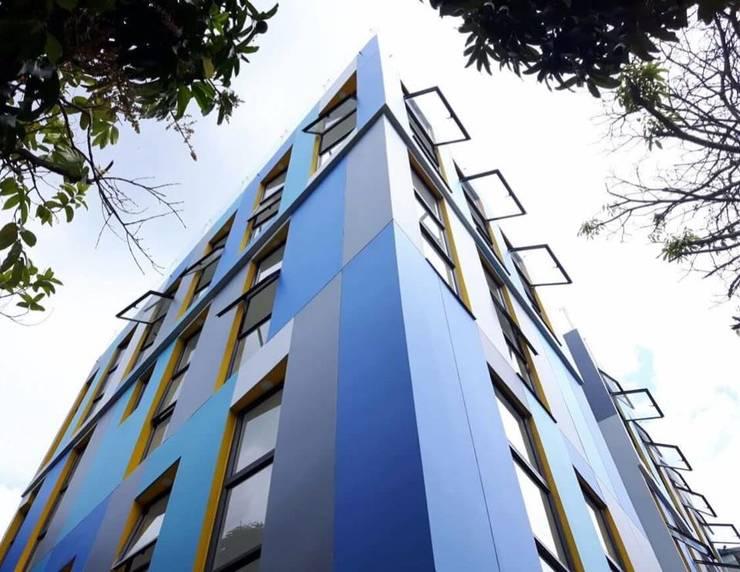 โดย SAAV Arquitectos โมเดิร์น