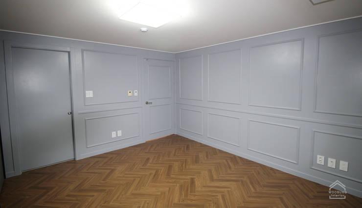 수지구 상현동 51PY 아파트: 수지 대림바스의  방,
