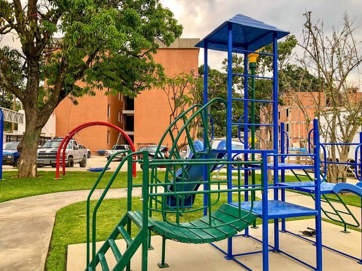 Área de Juegos infantiles de Dic Arquitectos Moderno