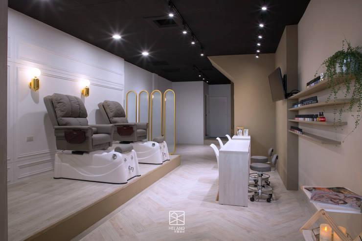 人字拼塑膠地板:  辦公空間與店舖 by 禾廊室內設計,