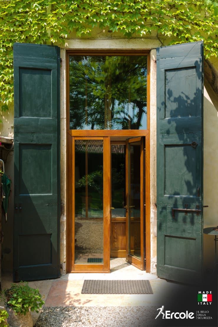 Front doors by Ercole Srl, Rustic Wood Wood effect