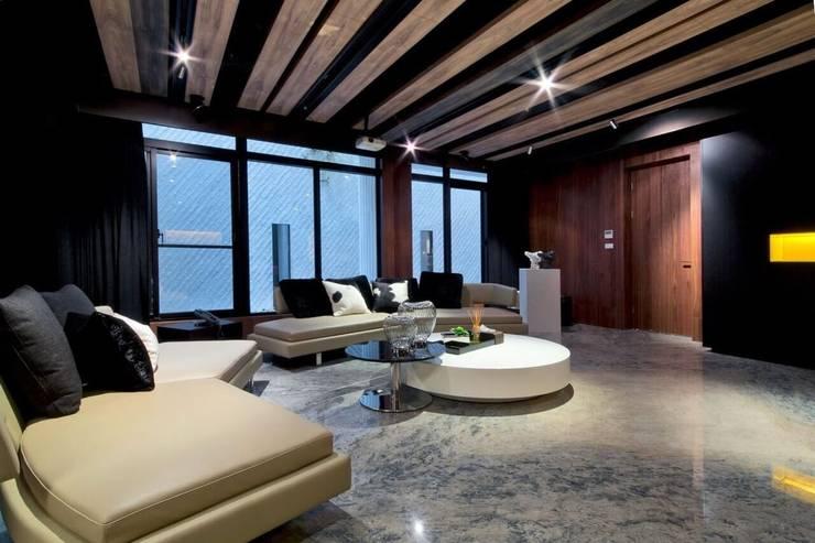 室內設計北歐風:  家庭劇院 by 大桓設計顧問有限公司,