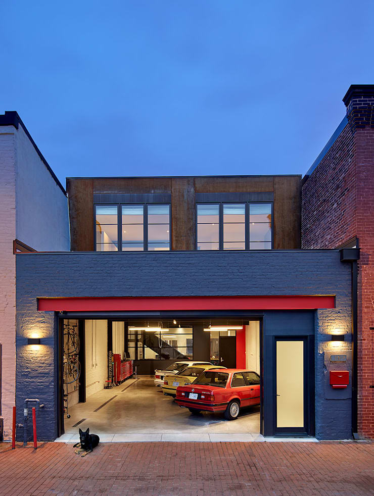AutoHaus:  Houses by KUBE Architecture, Modern