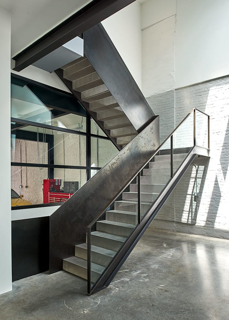 AutoHaus:  Stairs by KUBE Architecture, Modern