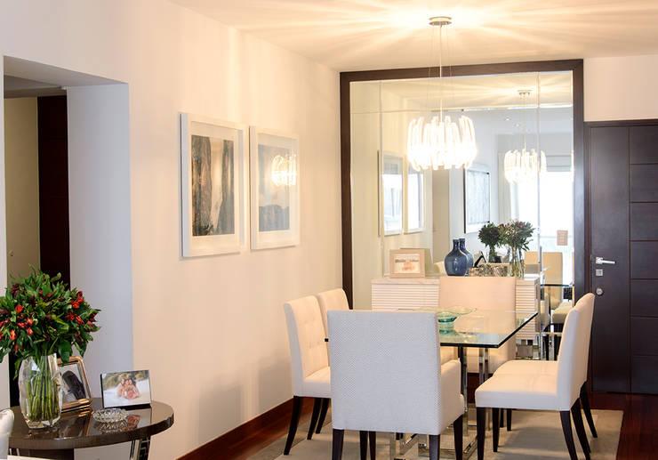 Sala comedor en San Isidro: Comedores de estilo  por Velú Studio,