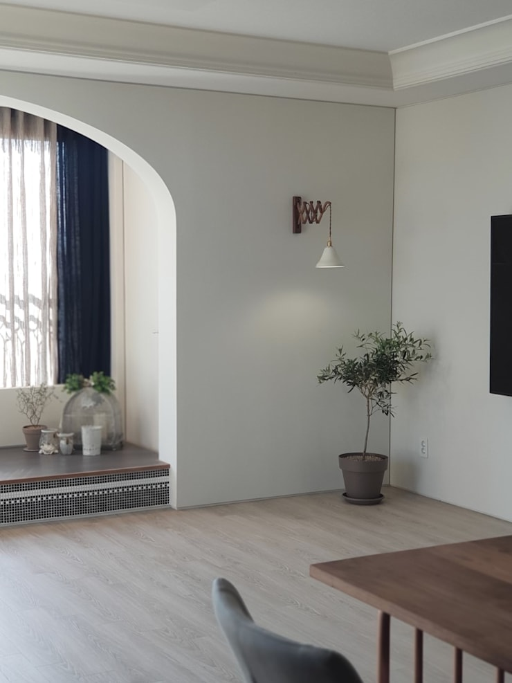 봇들마을 아파트 인테리어: 프라디자인의  거실,