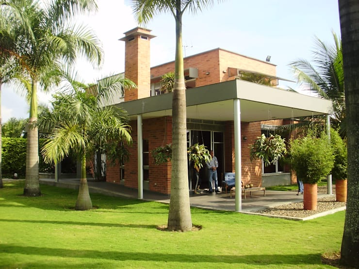 Costado Occidental de DESIGNIO Arquitectura + Objetos Tropical Ladrillos