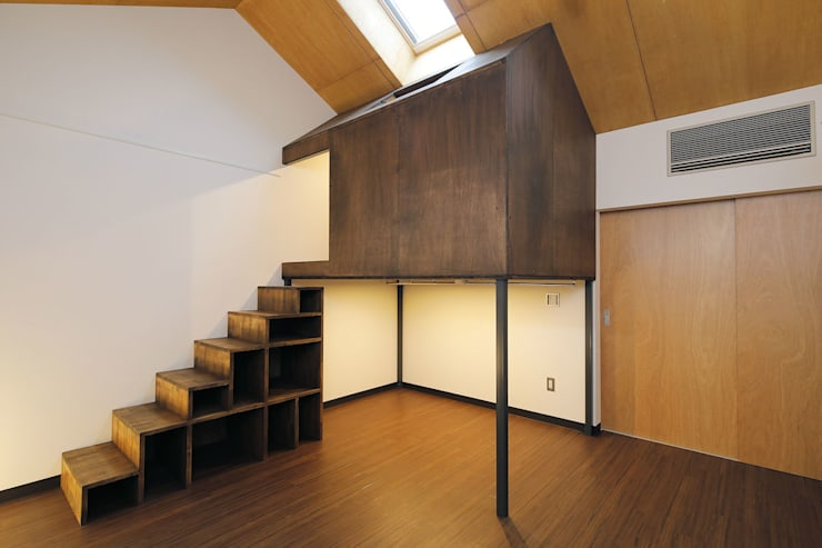 Cuartos de estilo  por 一級建築士事務所 感共ラボの森, Ecléctico Madera Acabado en madera
