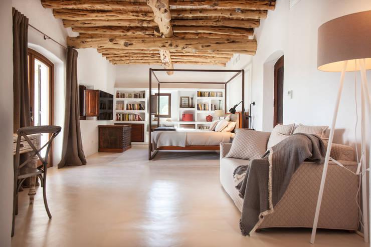 Private Villa, Ibiza: colonial  by Davydov Bespoke, Colonial