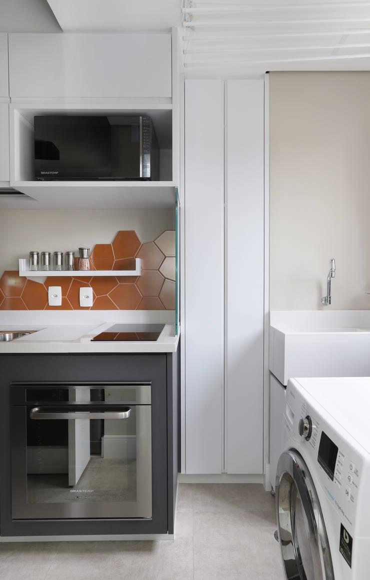 Küche von INSIDE ARQUITETURA E DESIGN