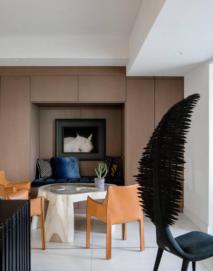 Tea area:  Living room by C&M Media, Modern