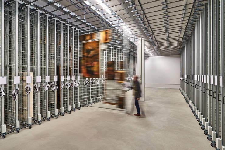 Garage / Hangar de style  par Franz&Sue