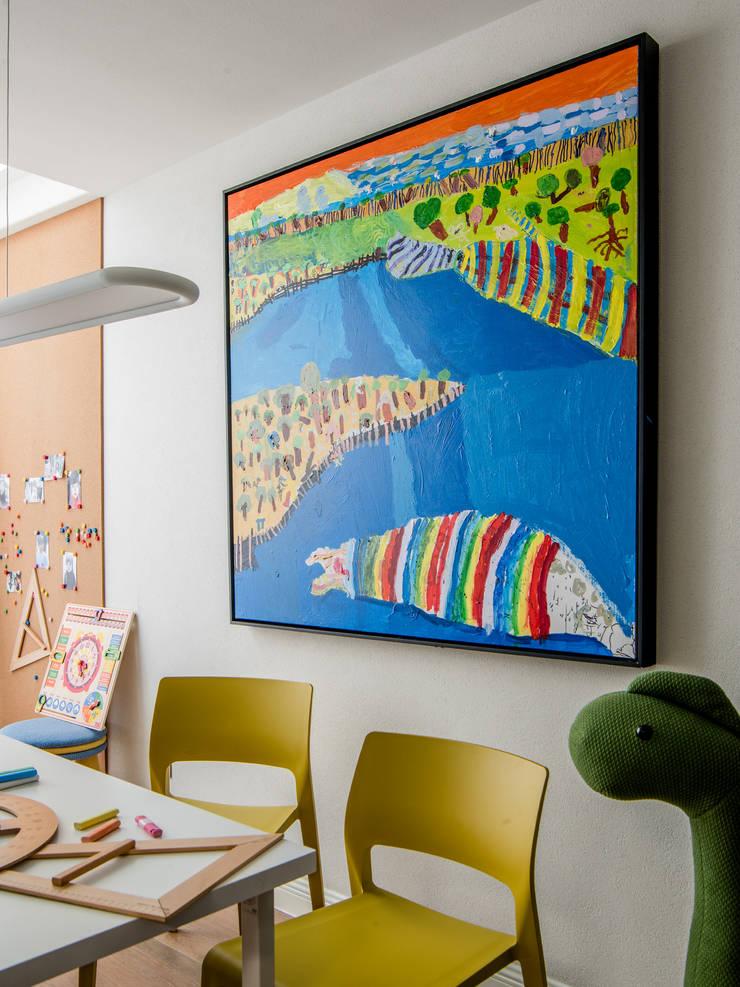Study room:  Boys Bedroom by C&M Media, Modern