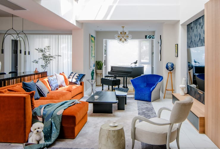 The living space:  Living room by C&M Media, Modern