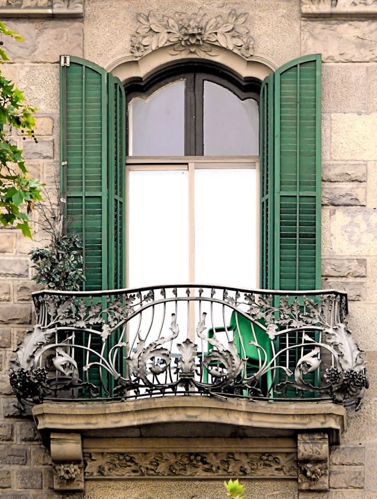 Ban công:  Balconies, verandas & terraces  by DolanhaGroup