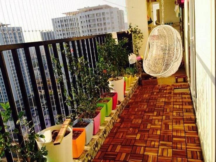 ban cong:  Balconies, verandas & terraces  by DolanhaGroup