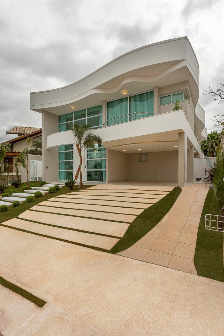 Rumah tinggal  oleh Arquiteto Aquiles Nícolas Kílaris, Modern
