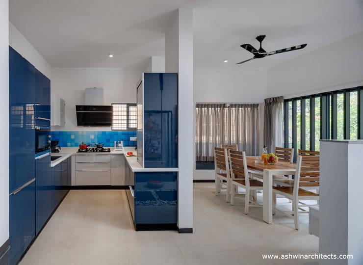 Kitchen by Ashwin Architects In Bangalore, Modern