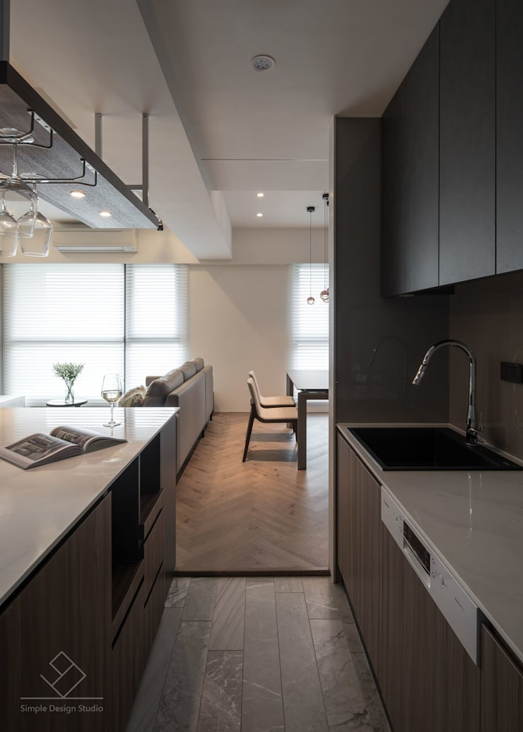 Dining room by 極簡室內設計 Simple Design Studio, Modern