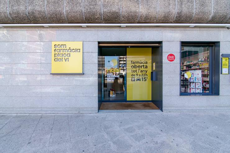 Espaces commerciaux classiques par Piedra Papel Tijera Interiorismo Classique