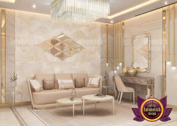 Amazing Spacious Bedroom Interior:   by Luxury Antonovich Design,