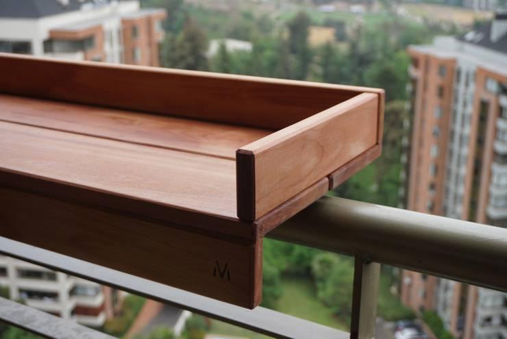 Barra Mocán: Balcones y terrazas de estilo  por MOCÁN