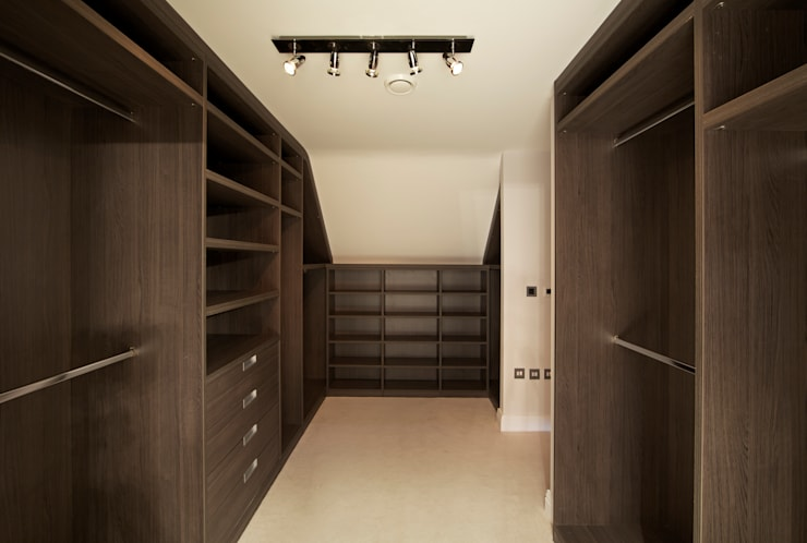 Walk in Wardrobes Loft Conversions London:  Bedroom by Metro Wardrobes London