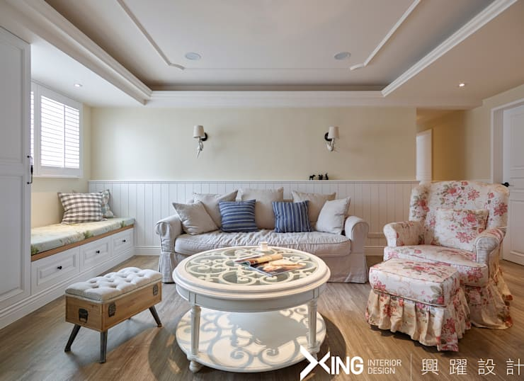 Living room by 興躍設計, Country