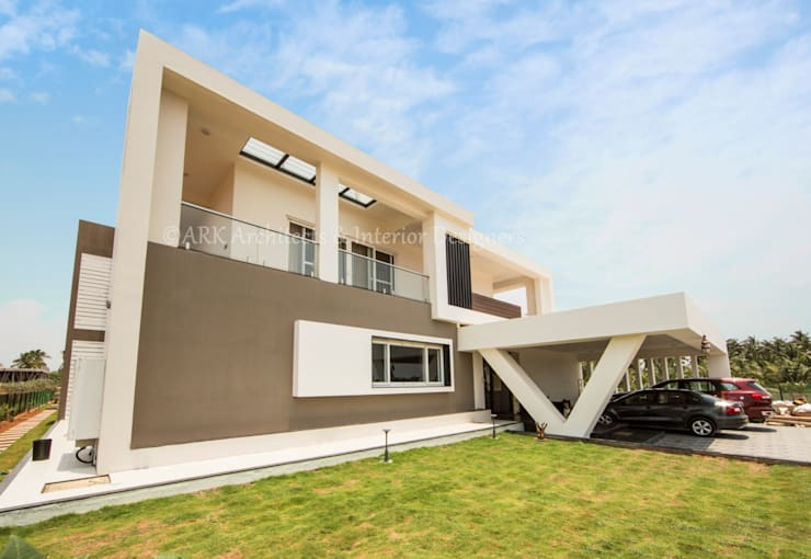 Sree Subham:  Houses by ARK Architects & Interior Designers,