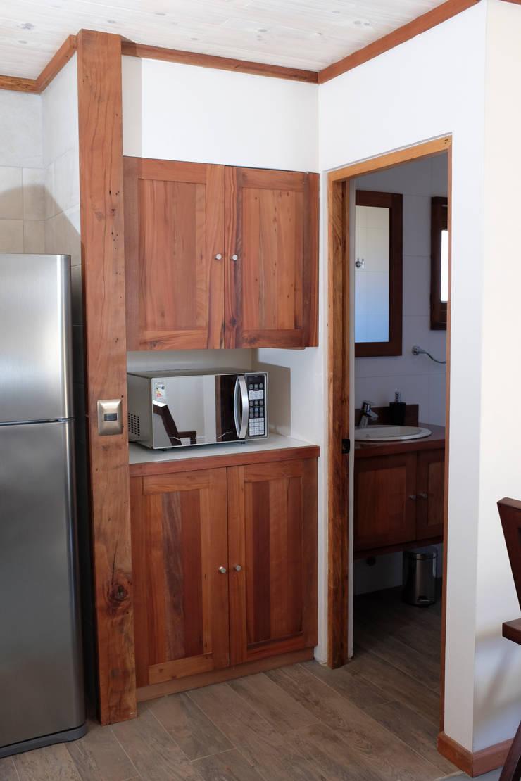 Muebles de cocina: Cocina de estilo  por Cauco Woods & Design