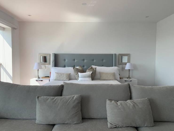 DORMITORIO PRINCIPAL:  de estilo  por Home Staging & Co., Minimalista