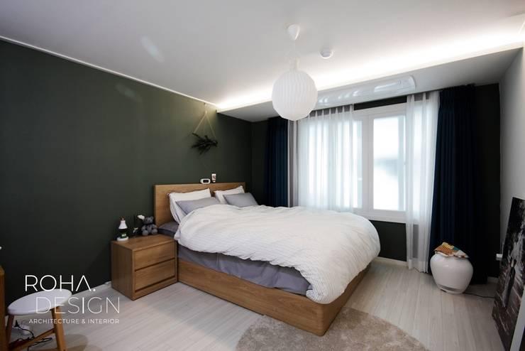 부산 신혼집 인테리어 – 24평 아파트 인테리어: 로하디자인의  방,