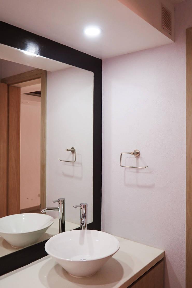 Remodelación baño : Baños de estilo  por HS2E Arquitectura,
