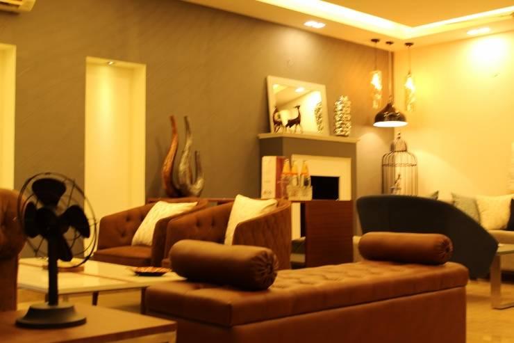 ANAND HOUSE, NEW DELHI:  Living room by be ZEN Design, Modern