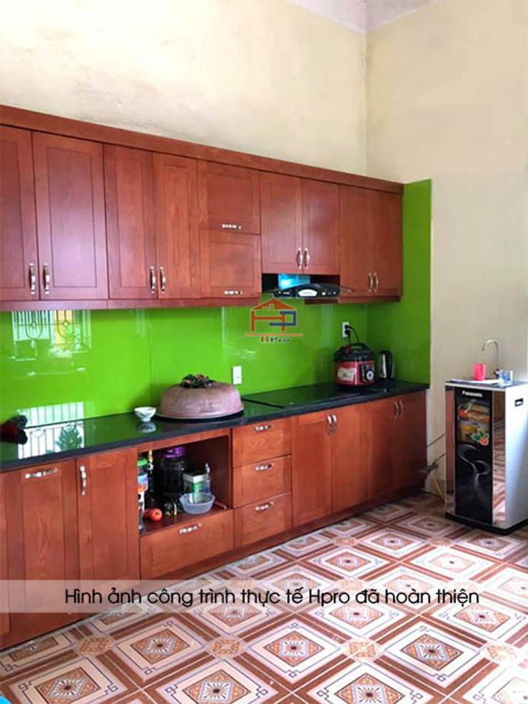 Hình ảnh thiết kế 3D bộ tủ bếp gỗ xoan đào Hoàng Anh Gia Lai nhà chú Ước - Thường Tín:  Kitchen by Nội thất Hpro