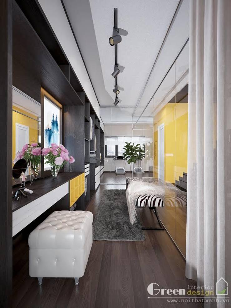 BIỆT THỰ VINHOME THĂNG LONG XANH NGÁT GIỮA LÒNG HÀ NỘI:  Dressing room by Green Interior