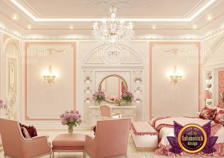 Lovely Pinky Bedroom Design for Girls:   by Luxury Antonovich Design,