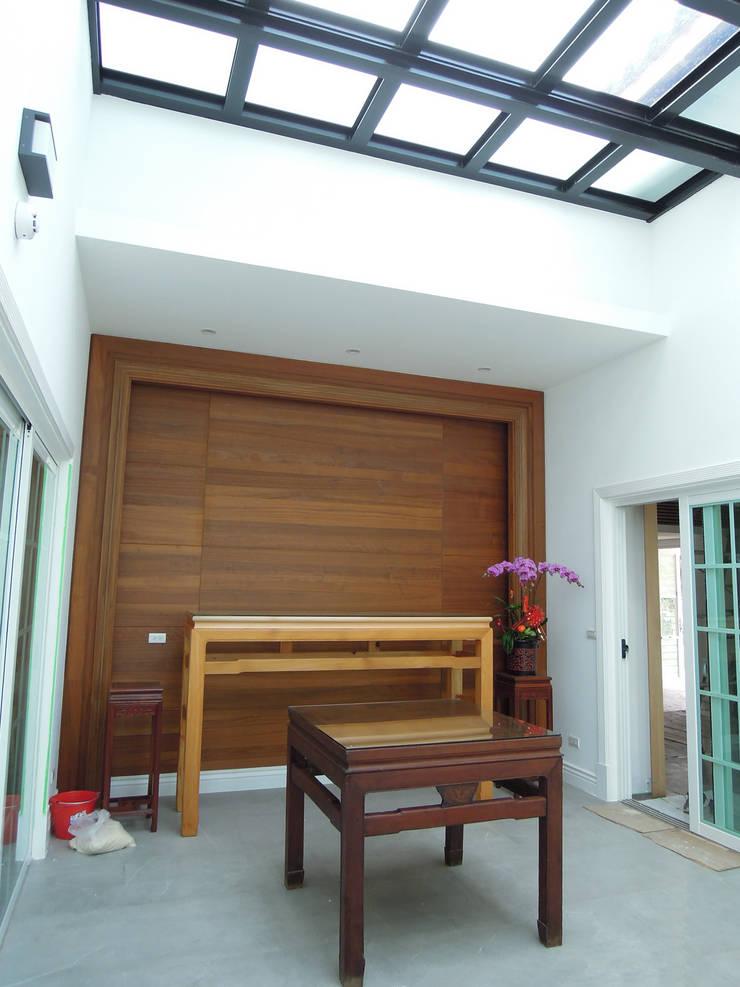 信仰空間 by houseda Country Plywood