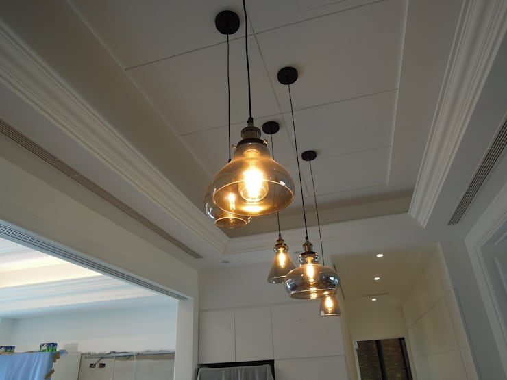 餐廳吊燈 Industrial style dining room by houseda Industrial Glass