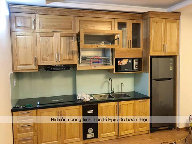 Hình ảnh thực tế bộ tủ bếp gỗ sồi mỹ nhà chị Hằng - Bắc Ninh:  Kitchen by Nội thất Hpro