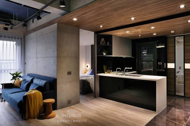 天擎之境,靜逸居所:  廚房 by 雅適登設計工程有限公司,