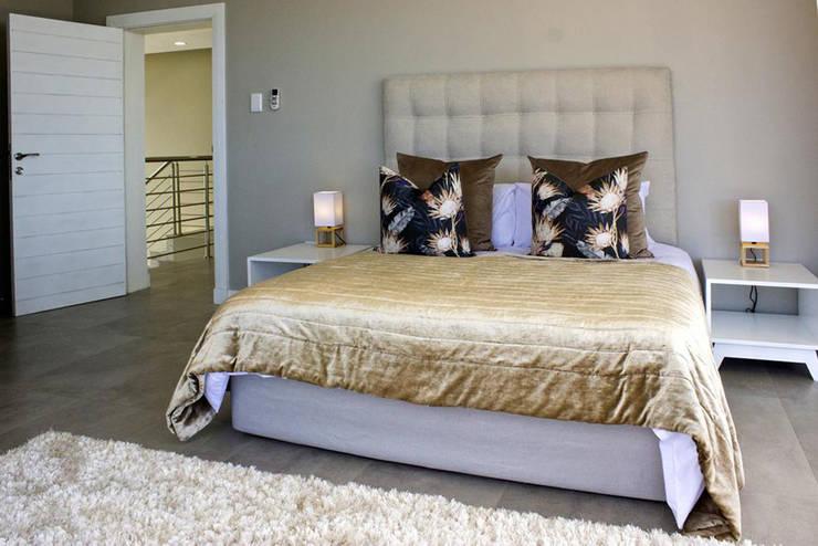 Bedroom by Barnard & Associates - Architects Minimalist
