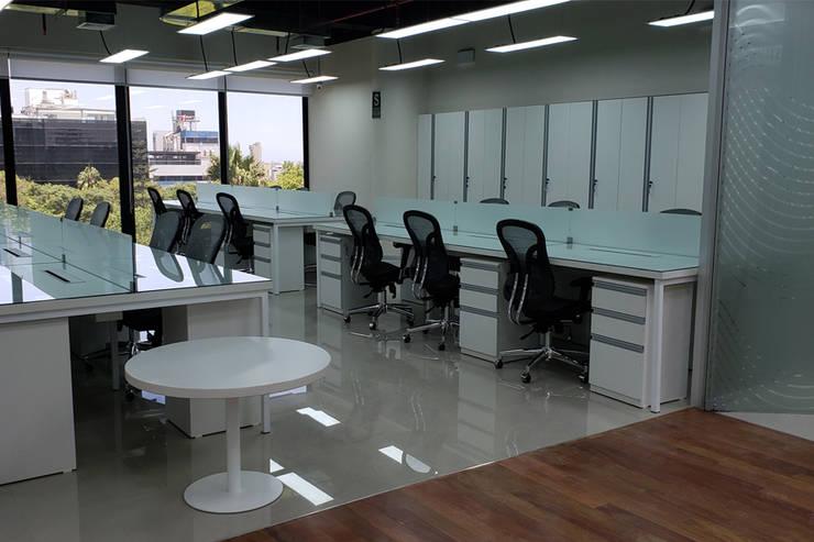 Cooperativa Pacifico – Pool de Trabajo: Oficinas de estilo  por Kaizen Arquitectos