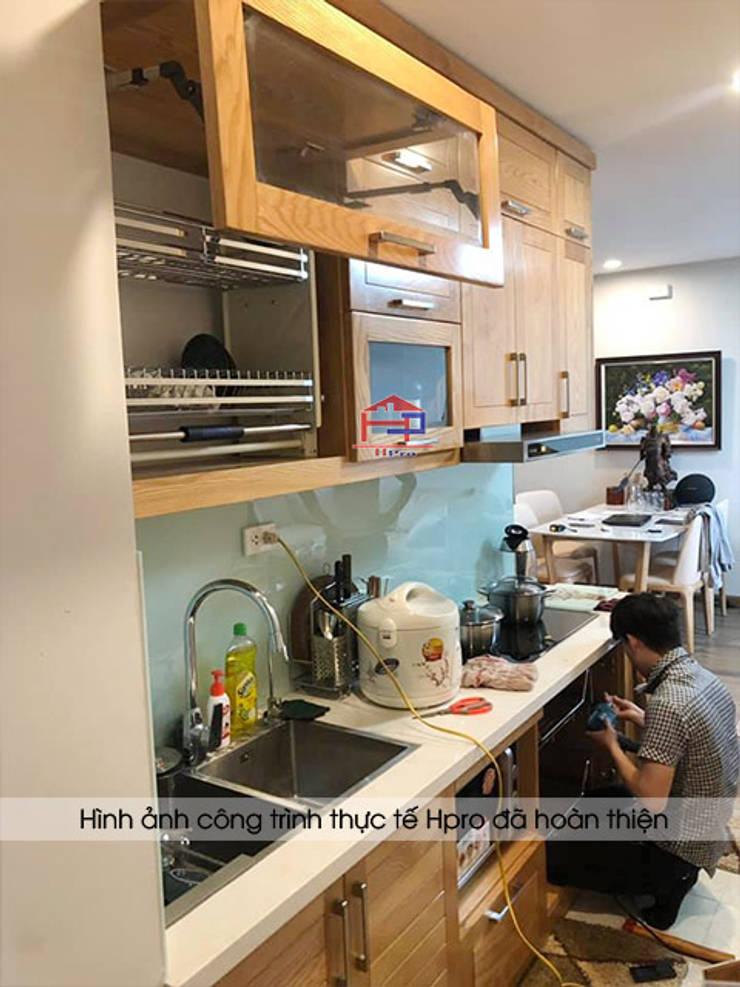 Hình ảnh thực tế bộ tủ bếp gỗ sồi nga nhà anh Long - Nguyễn Đức Cảnh:  Kitchen by Nội thất Hpro,