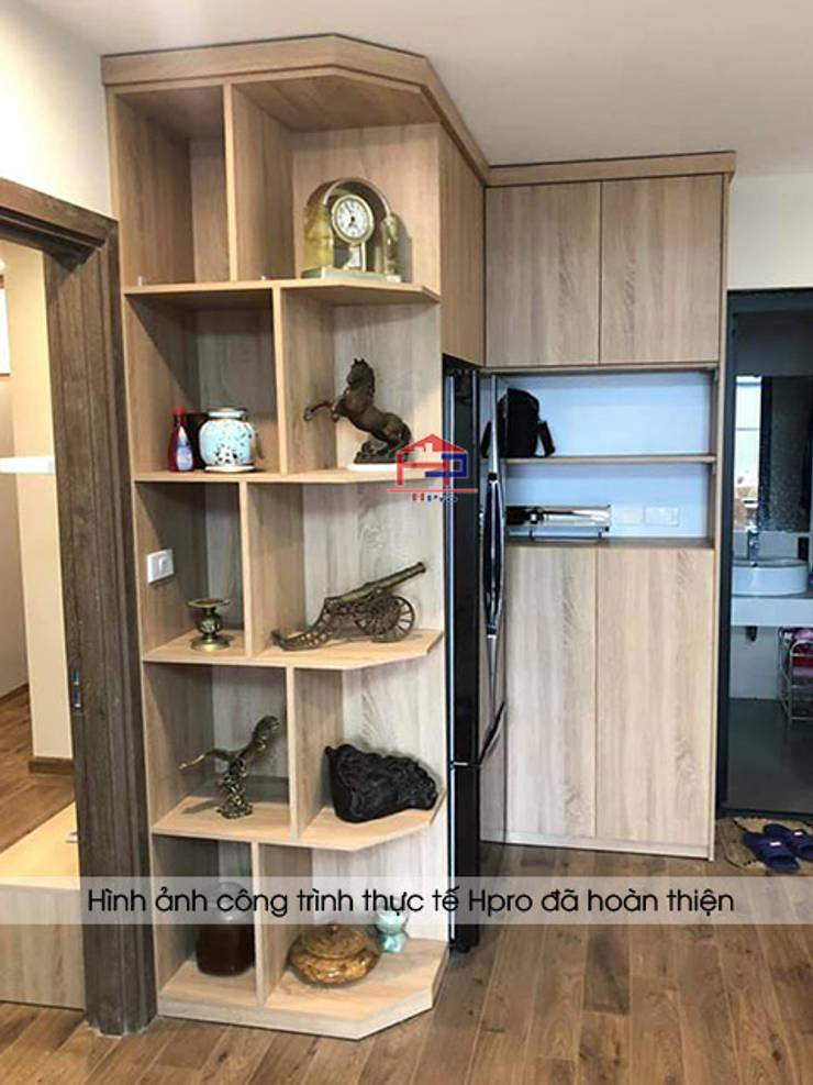 Hình ảnh thực tế tủ trang trí gỗ melamine nhà anh Long - Nguyễn Đức Cảnh:  Living room by Nội thất Hpro,