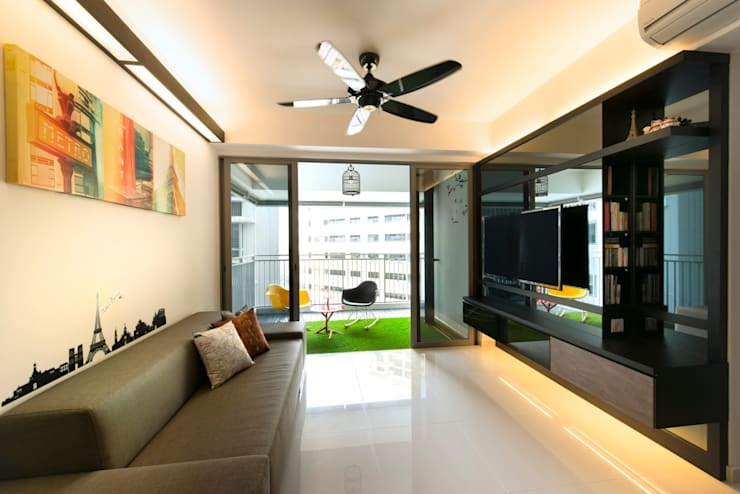 Modern Retreat At The Peak @ Toa Payoh:  Living room by Space Factor Pte. Ltd, Modern