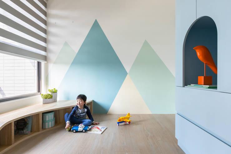 薄荷森林:  嬰兒房/兒童房 by 寓子設計,