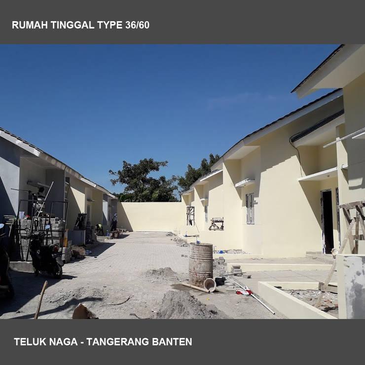 Teluk Naga: Rumah tinggal  oleh Studio Ardhyaksa,